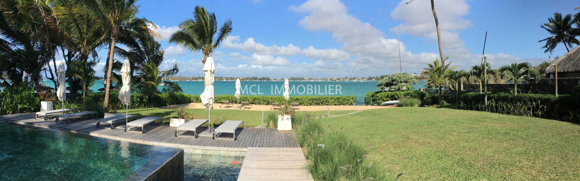 FURNISHED RENTAL - BEACHFRONT APARTMENT - grand-baie