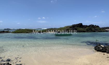 LOCATION MEUBLÉE - VILLA EN FRONT DE MER - roches-noires